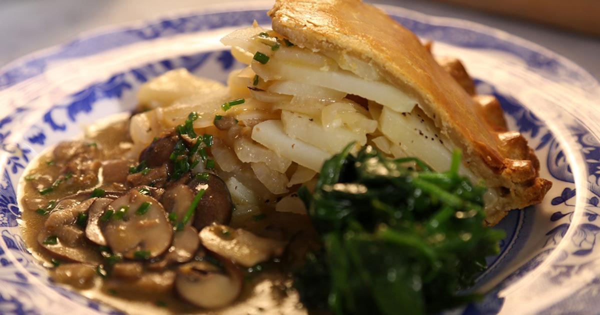 Plăcintă de post cu ciuperci și cartofi
