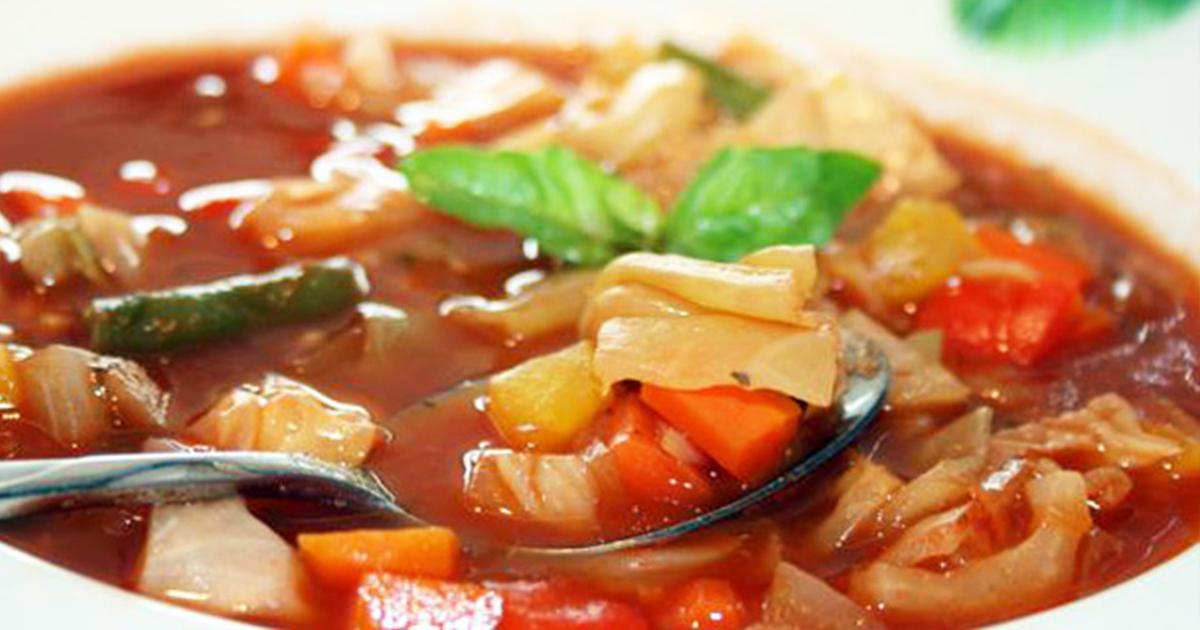 Dieta cu supă de varză. Află cât de hrănitoare și eficientă este