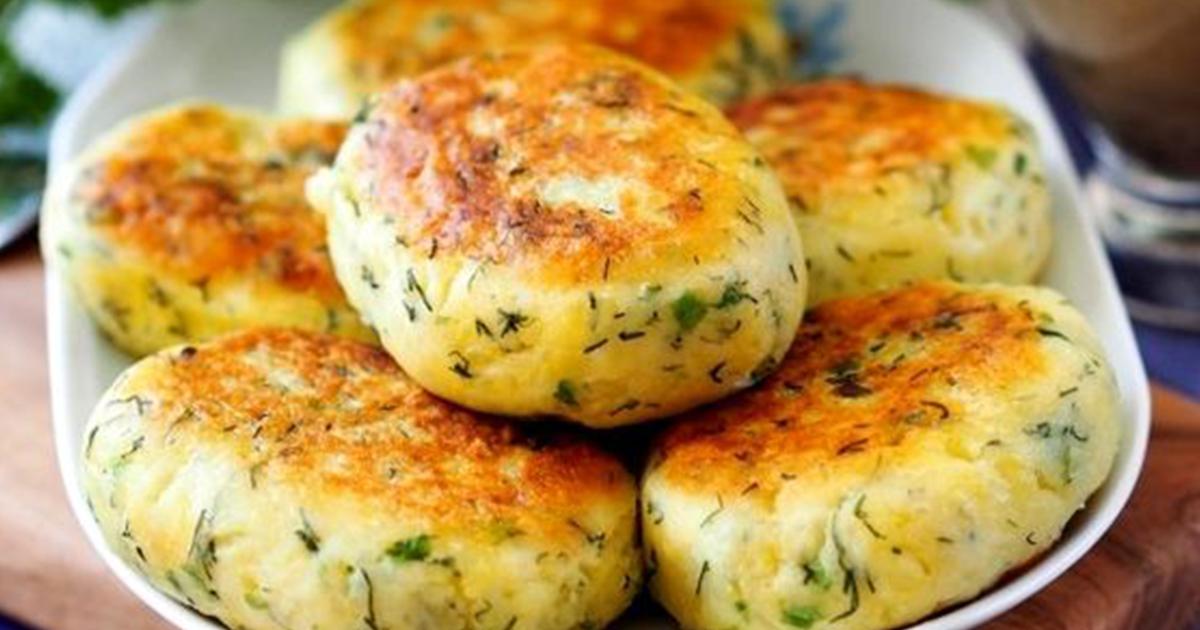 Chifteluțe de cartofi fragede cu verdeață și usturoi