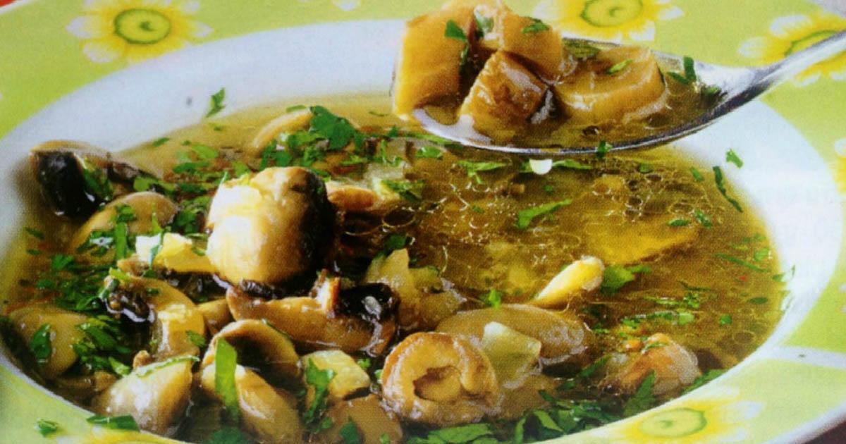 Ciorbă de ciupercuțe cu pătrunjel și tarhon