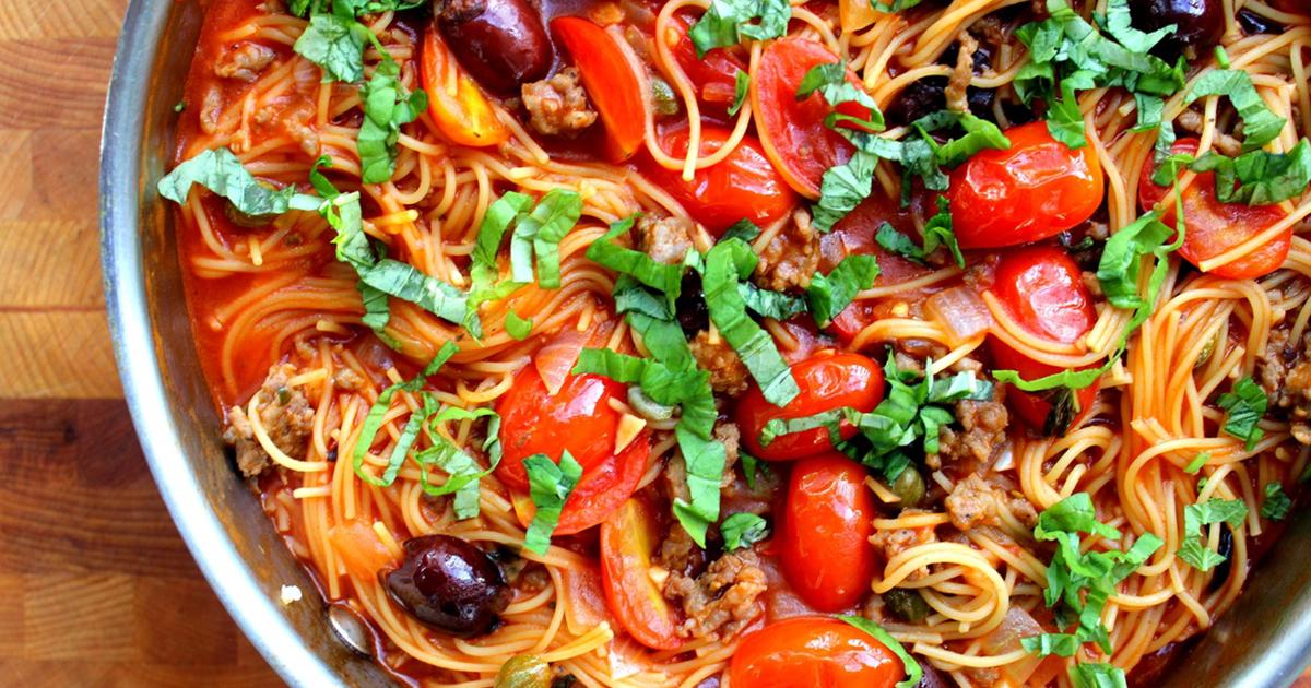 Spaghetele Puttanesca, cele mai delicioase paste pe care le poți servi în perioada postului.