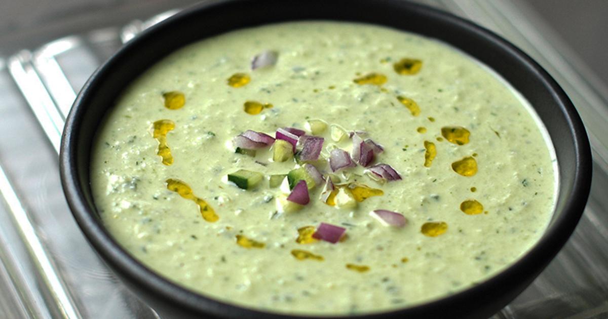 Cum se prepară cea mai sănătoasă supă cremă de castraveți și iaurt, merită încercată de toată lumea!