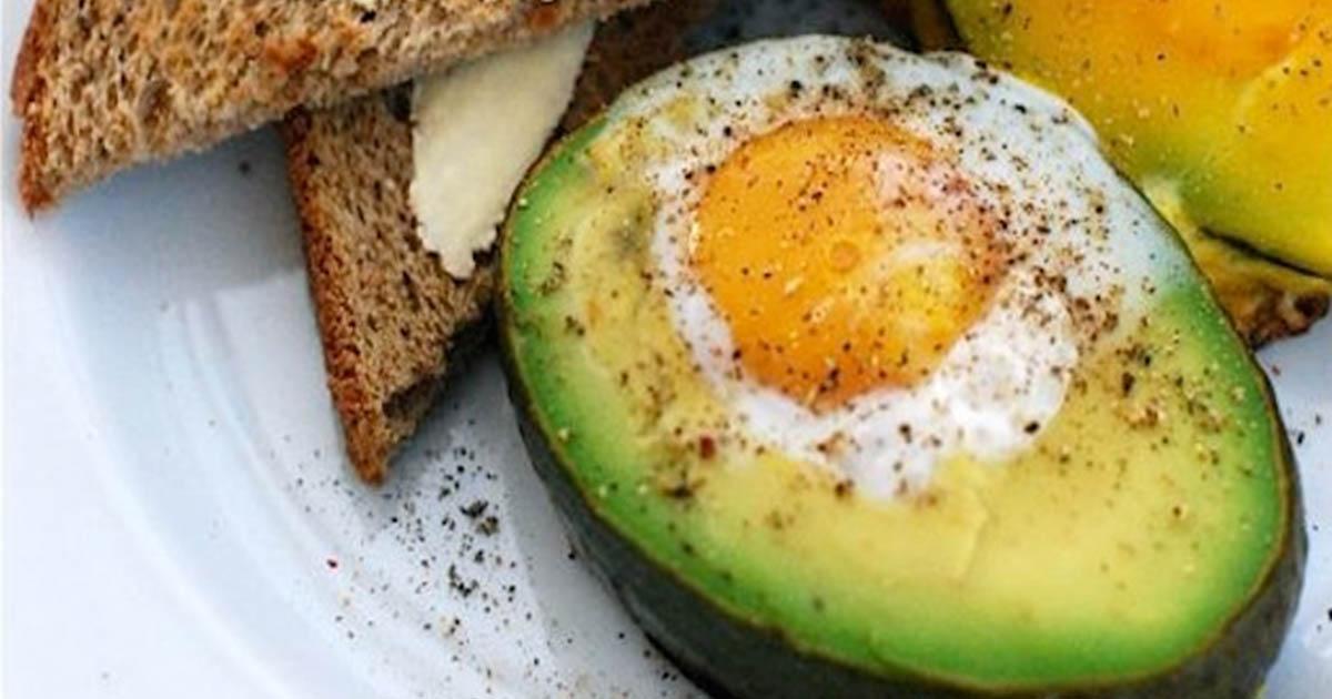 Cel mai bun și sănătos mic dejun din lume: Ouă ochiuri și avocado