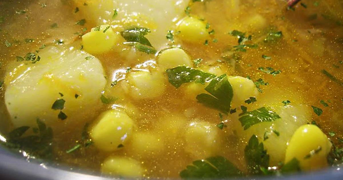 Ciorba de cartofi cu porumb și legume, o rețetă de post deosebit de gustoasă