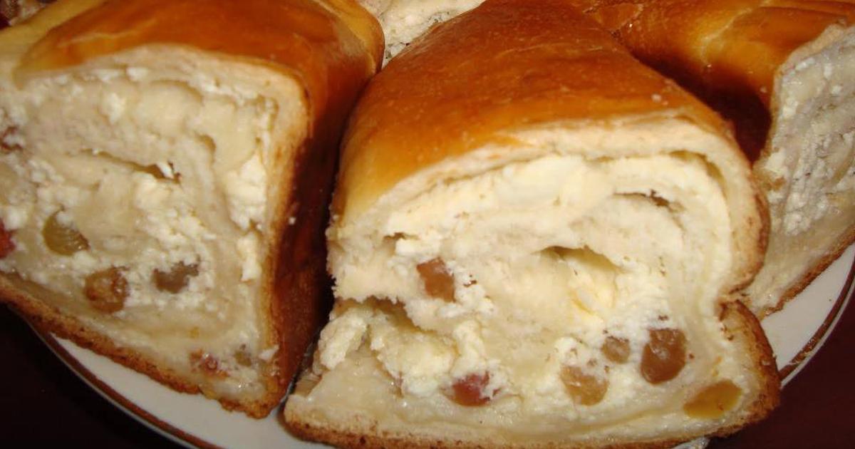 Cozonac de casă cu brânză și stafide, o rețetă delicioasă pentru sărbători sau pentru desert în familie