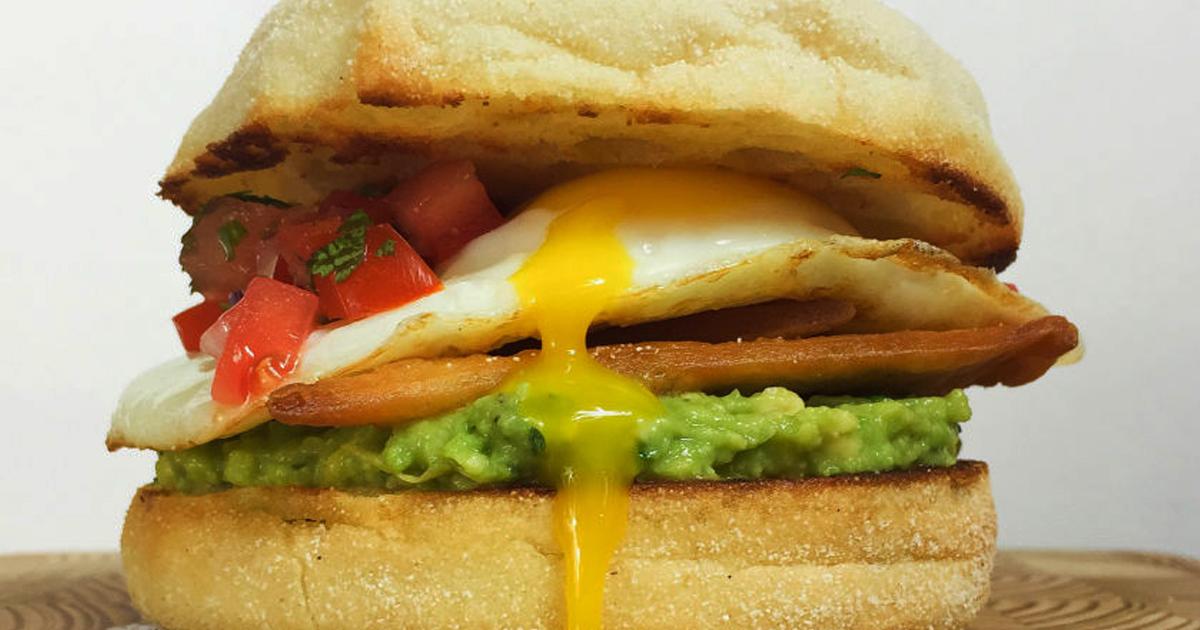 O idee de sandviș delicioasă și sănătoasă penru un mic dejun plin de energie