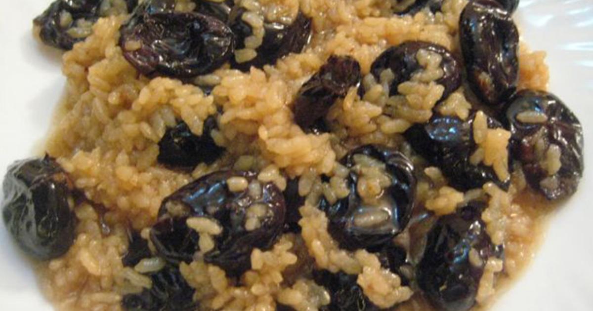 Prune uscate cu orez, mâncarea delicioasă a copilăriei pe care bunicii o făceau în perioada postului