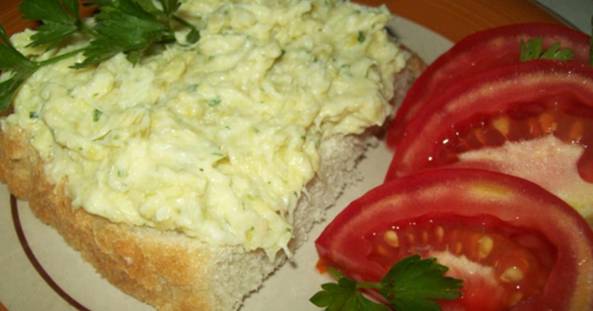 Mănânci și nu te mai poți opri! Salata de dovlecei cu maioneză este mereu în topul preferințelor la orice masă
