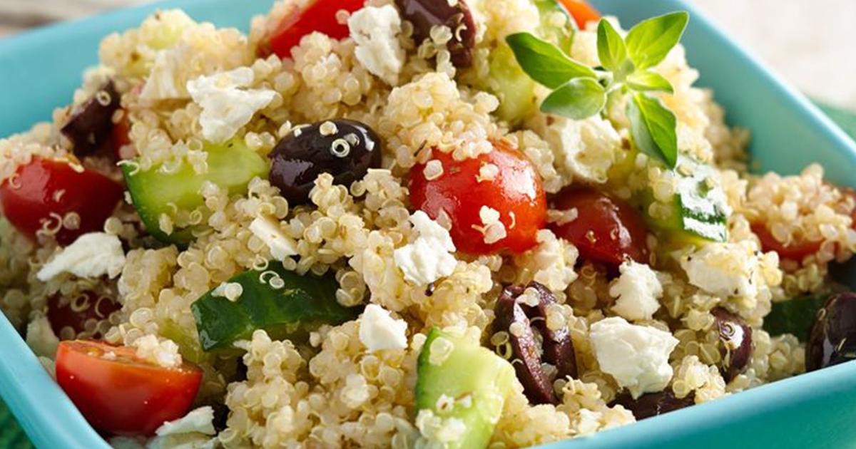 Salată de quinoa cu legume, o sursă de sănătate de zi cu zi