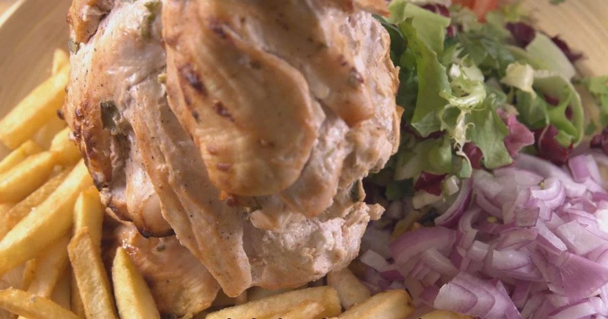 Kebab de pui la cuptor, nu te mai saturi de el! O idee delicioasă pentru toți pofticioșii!