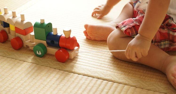 6 idei de cadouri utile pentru orice bebeluș