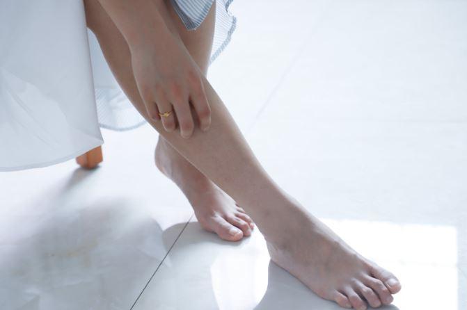 Ai picioarele mereu reci si umflate? Poți suferi de o boală gravă