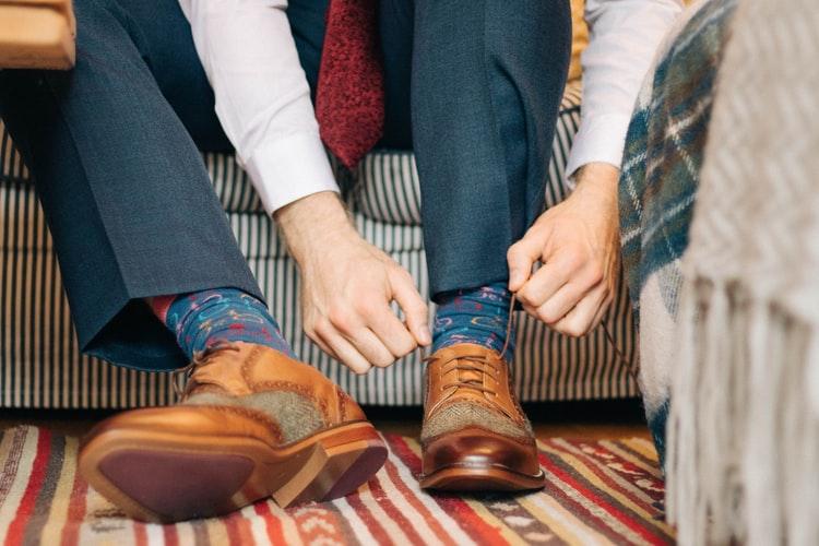 Gentleman alert: Cum alegi șosetele potrivite în ton cu încălțămintea