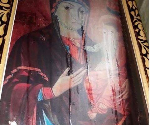 La Mănăstirea Frăsinei plâng și Fecioara Maria și Pruncul Iisus! Ce înseamnă: