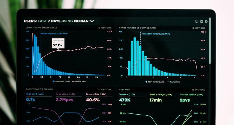 Primul business: Cum te pot ajuta serviciile online să identifici noi oportunități?