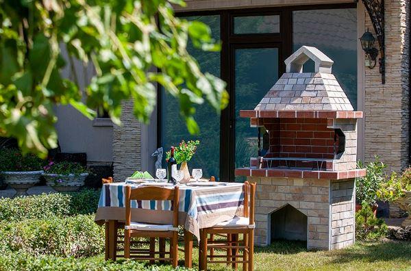 De ce grătarul din grădină este soluția perfectă pentru petrecerea timpului liber