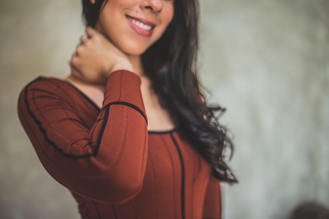Căderea părului la femei – soluții eficiente pentru a o combate