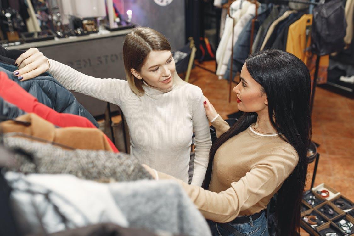 Avantajele unei sesiuni de shopping într-un outlet