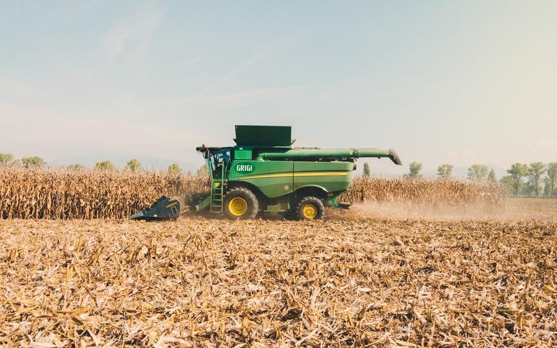 Strânge recoltele la timp şi ai grijă de utilajele agricole pe care le deţii!